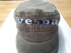 Cappello berretto targhette scritte vespa