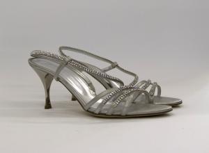 Sandalo donna elegante da sposa e cerimonia in pelle burma argento con applicazioni in cristallo svarovsky Guido La Rocca cod.G665