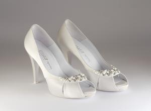 Scarpa donna elegante da sposa e cerimonia in raso con applicazione cristalli Elata cod.S2120