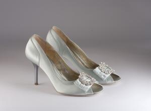 Scarpa donna elegante da sposa e cerimonia in tessuto di raso con applicazione in cristallo svarovsky Penrose cod.P3957G8