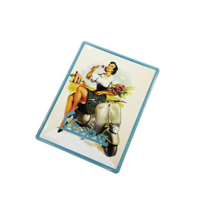 Locandina latta PIN-UP GIRL E FIOR Vespa.