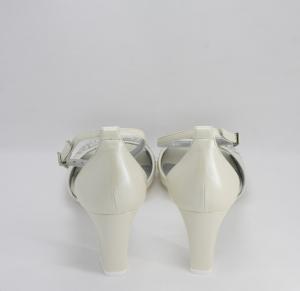 Sandalo donna in pelle capretto con applicazioni in cristallo svarovsky e cinghietta regolabile Art. G1240