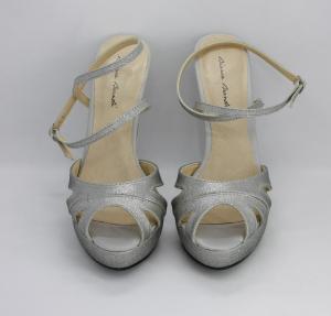Sandalo donna in tessuto argento con cinghietta  incrociata regolabile alla caviglia con pochette abbinata Art. BS255