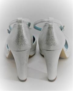 Scarpa donna sposa e cerimonia  Blu & Rose, in pelle burma colore argento con applicazione cristalli e cinghietta regolabile alla caviglia Art. 5X80008W3