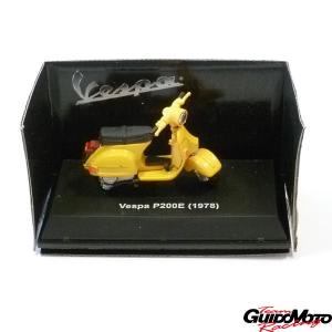 Modellino Vespa P200E - scala 1:32