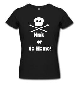 T-shirt nera conscritta