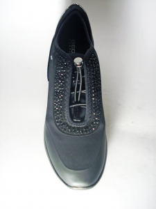 Sneaker chiusura elastici nera Geox
