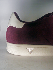 Sneaker prugna Guess