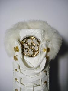 Sneaker bianca pelliccia Guess