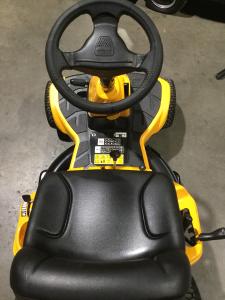 Trattorino tosaerba CUB CADET Mini Rider LR1 MS76