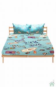 A duvet set bed