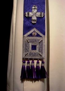 Stola viola solenne