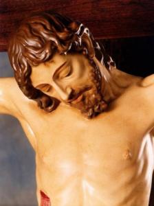 Cristo in vetroresina di cm. 120 su croce in legno di cm. 240 (Studio d'arte Landi)