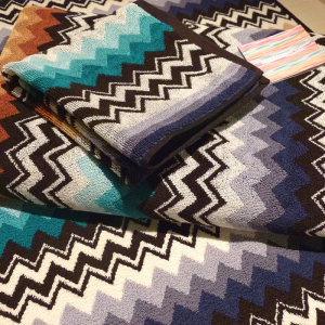 Missoni Home full set 5 pieces 170 Niles with zig-zag on blue