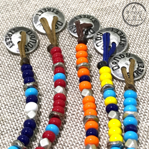 Dandy Street - Bracciale etnico perline vetro chiusura bottone. Arancio