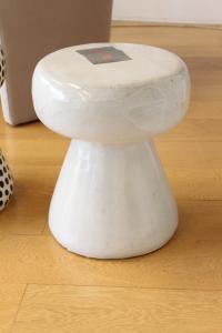Tavolino/Pouff in ceramica bianca Gervasoni