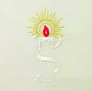 Veste bianca per liturgia battesimale