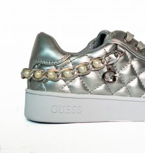 Sneaker oro o argento trapuntato metallizzato Guess
