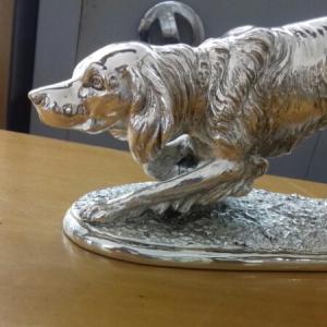 Scultura Setter Inglese ferma a vista in argento, vendita on line | GIOIELLERIA BRUNI Imperia