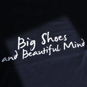 T-Shirt blu basic - Big Shoes and beautiful mind