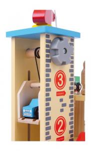 Stazione con parcheggio su due livelli in legno con accessori