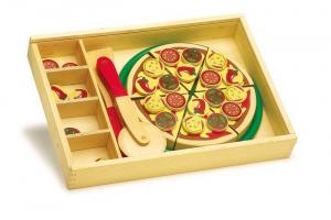 Pizza al taglio con vassoio gioco bimbi in cucina