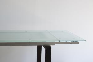 Tavolo in cristallo temperato