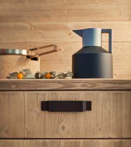 Cucina moderna con frontali lavagna