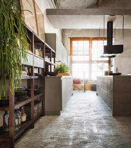 Cucina in legno e ferro stile Industry