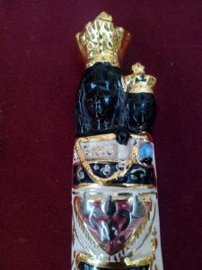 Statua Madonna di Loreto in ceramica e finiture oro zecchino e platino altezza Cm. 22