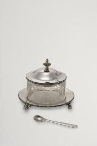 Zuccheriera con cucchiaio stile Liberty argentato argento sheffield cm.13h diam.15