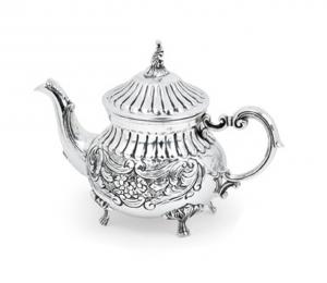 Teiera argentata argento in Sheffield stile cesellato cm.18h