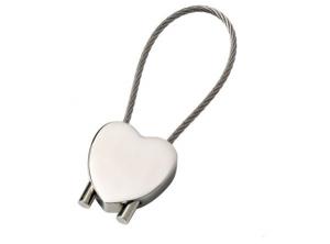 Portachiavi cuore con cavetto cromato cm.7,8x2,5x1h