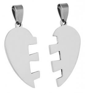 Pendente acciaio cuore spezzato cm.1,8x3,4x0,2h