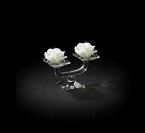 Candelabro in cristallo 2 fiamme con candele bianche a forma di rosa cm.20x8x12h