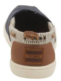 TOMS • JUNIOR NAVY CANVAS STRIPES