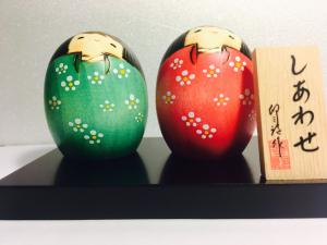 Bambola Kokeshi, Shiawase