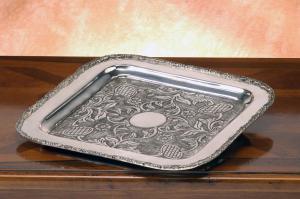 Vassoio quadrato Argentato Aregnto stile cesellato cm.39x39x3h