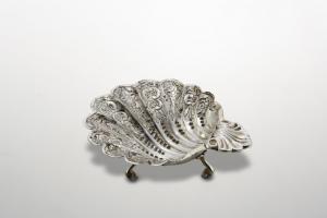 Ciotola conchiglia argentata argento sheffield stile cesellato cm.4h diam.14