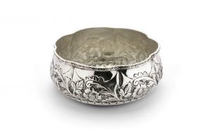 Ciotola tonda argentata argento sheffield stile cesellato cm.diam.18