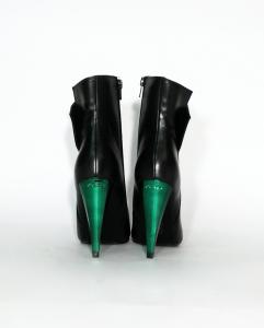 Stivaletto nero con tacco smeraldo Guess