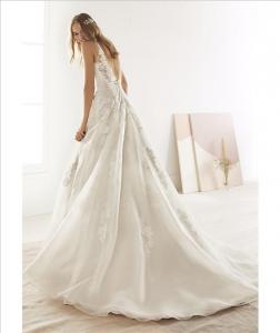 Abito sposa mod. OLIVENZA linea WHITE ONE -PRONOVIAS