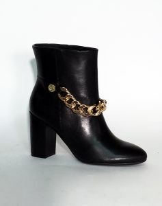 Stivaletto nero con catena Guess
