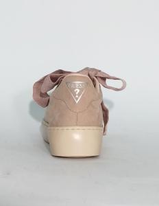 Sneaker nude con fiocco Guess
