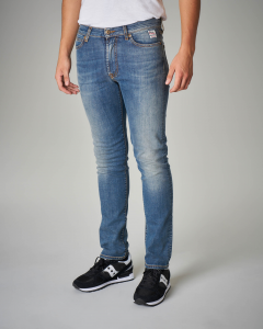 Jeans lavaggio chiaro vita alta