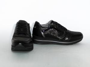 Sneaker nera con fondo platform Nero Giardini
