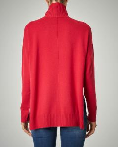 Maglia rossa in lana e cachemire dal volume asimmetrico