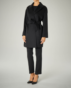 Cappotto nero a vestaglia in pura lana