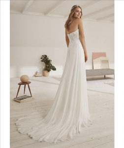 Abito sposa mod. OMEGA linea WHITE ONE -PRONOVIAS