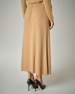 Gonna in tricot plissè colore cammello.